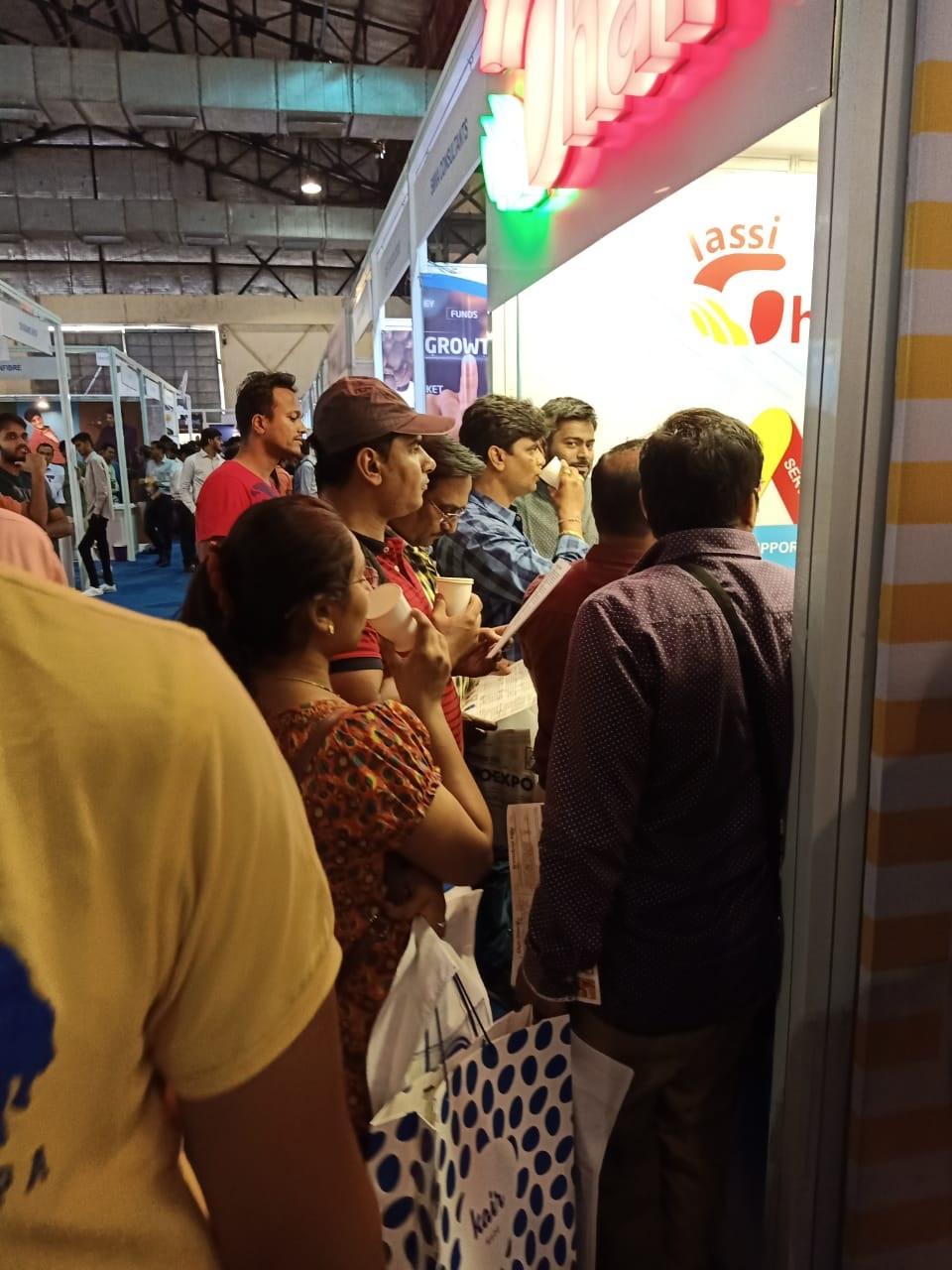 Lassighar Shop crowded